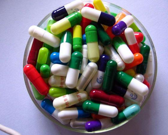 药品行业胶囊在使用紫外激光打标机进行标记
